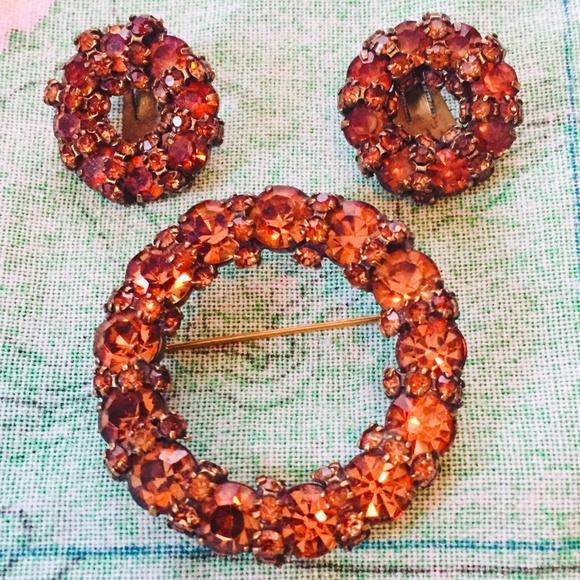 Vintage Jewelry - Gemstone brooch w/ matching clip earrings, vintage